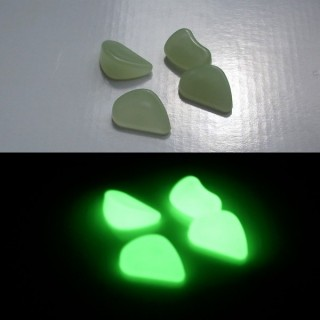 SMALL PHOSPHORESCENT PEBBLES